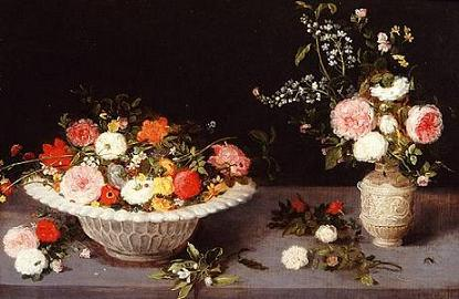 flower-bouquets-in-a-white-porcelain-bowl-and-small-vase2