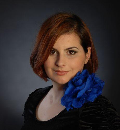 Cum fac muzicienii lumea mai bună – interviu cu violonista Monica Bălăşoiu