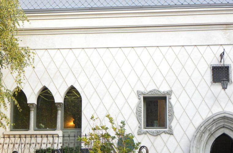 Casele pe lângă care trecem – La ce bun un curs introductiv de design interior si arhitectura?