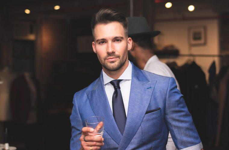 Stil vestimentar masculin: de la garderoba de bază la moda actuală