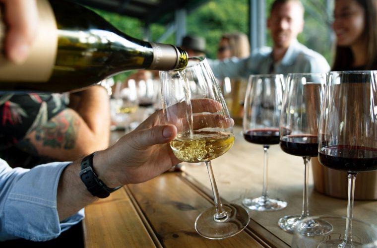 Cum aleg un vin bun? Curs şi degustare