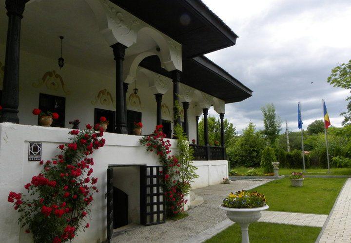 Conace şi case boiereşti din România (23 şi 24 iulie)