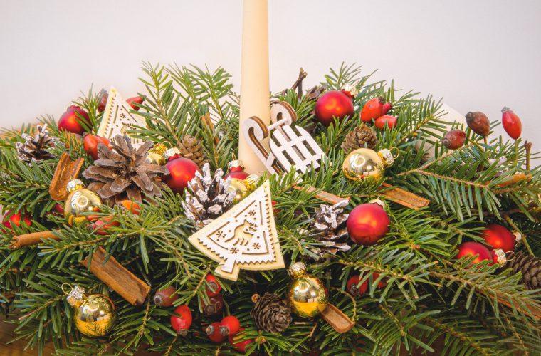 Aranjament festiv pentru masa de Crăciun