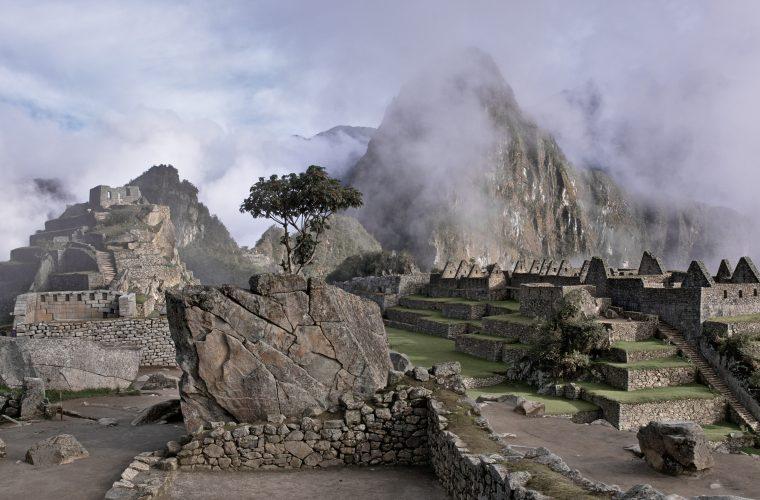Fascinaţia trecutului: Introducere în Arheologie