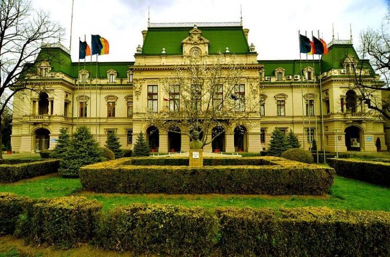 Descoperă oraşul Iaşi – de la Palatul Roznovanu, la Dealul Copoului
