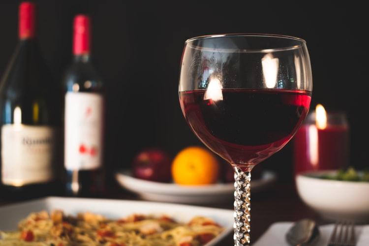 Cum să alegi un vin roşu delicios