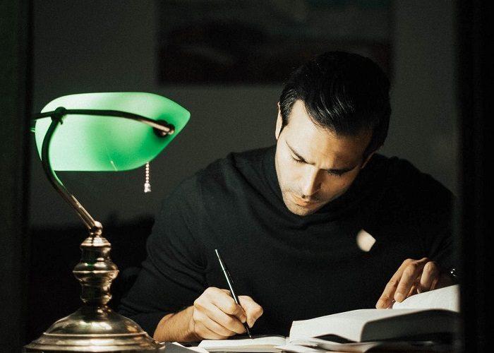 Exerciţii de stil – Atelier de scriere creativă în registre multiple