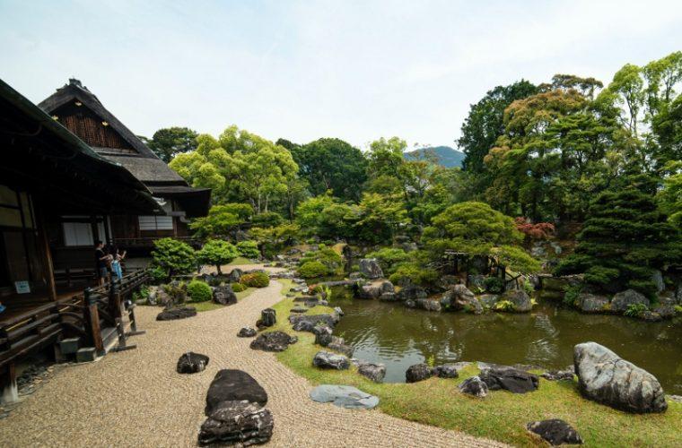 Grădina japoneză: istorie, perfecţiune, spiritualitate