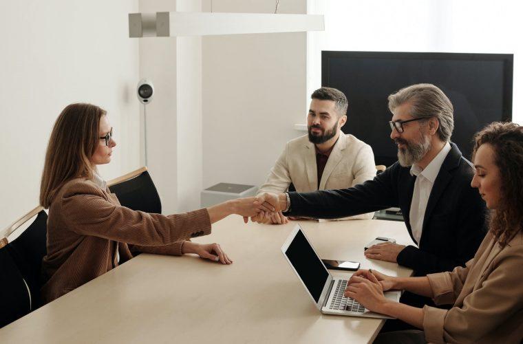 Cum ne prezentăm la interviul de angajare?