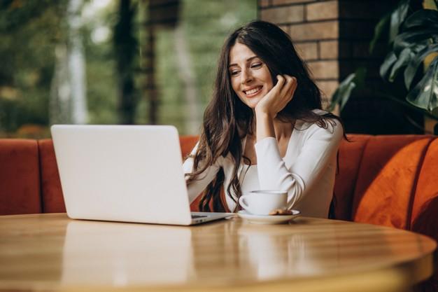 Atelier online – Cinci paşi pentru reinventarea ta profesională