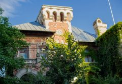Case boierești din București